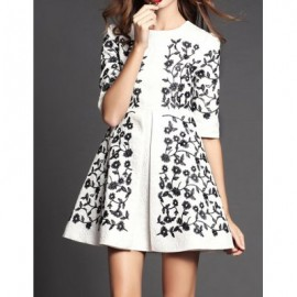 Vintage Round Collar Half Sleeves Embroidered Dress For Women
