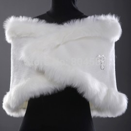 In Stock    Wedding Accessories women Warm Bridal Jacket Wrap Shawl White Faux fur Bolero CL2618